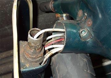 https://www.scooterhelp.com/tips/body/forks.front.brake2.jpg