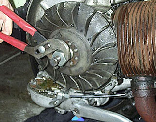 vespa px flywheel removal